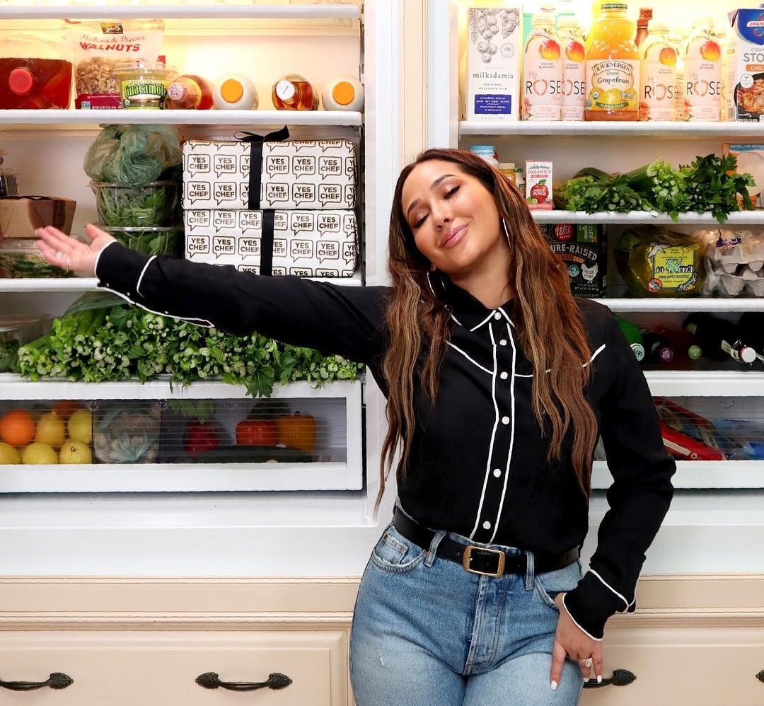 Adrienne Bailon vegán hűtő videó