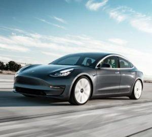 Vegán bőrbelsővel érkezik a Tesla Model 3