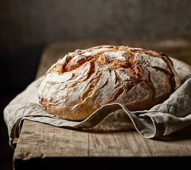 Frissen sütött vegán kenyér