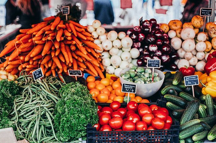 Zöldségek széles választékát eszik a vegánok