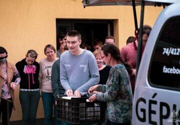 Autizmus Centrumba vittek vegán ételt az aktivisták-min